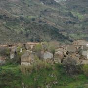 Tazrousth - le plus ancien quartier du village se rapproche de sa fin