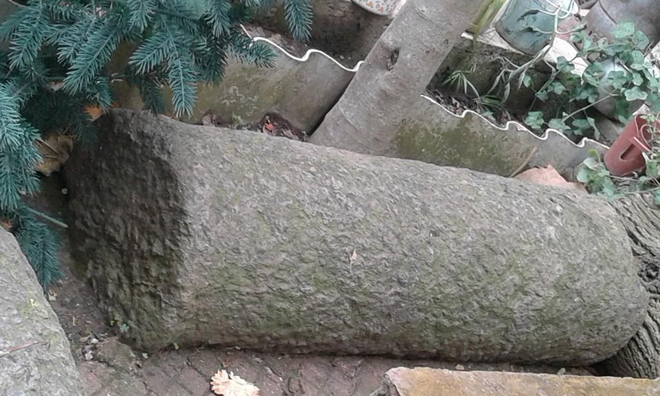 Une autre colonne
